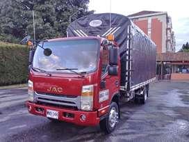 vendo espectacular camion jac 1061 con motor cumminis para 5 toneladas