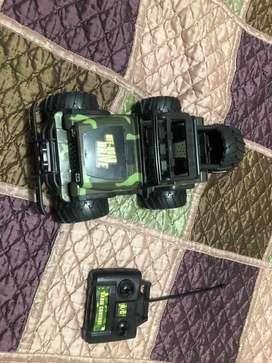 Camioneta todo terreno a control remoto