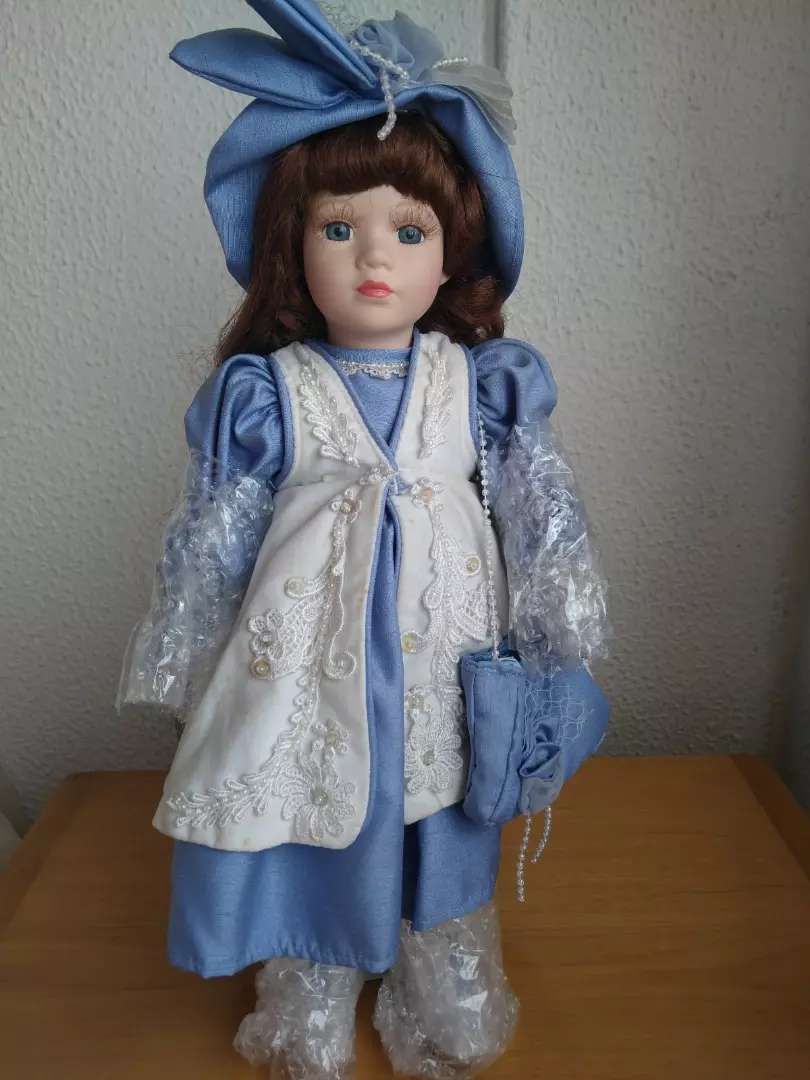 Muñeca de porcelana 1 0