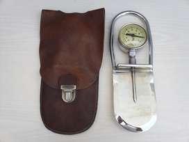 vacuometro herramienta de metal cromado antiguo