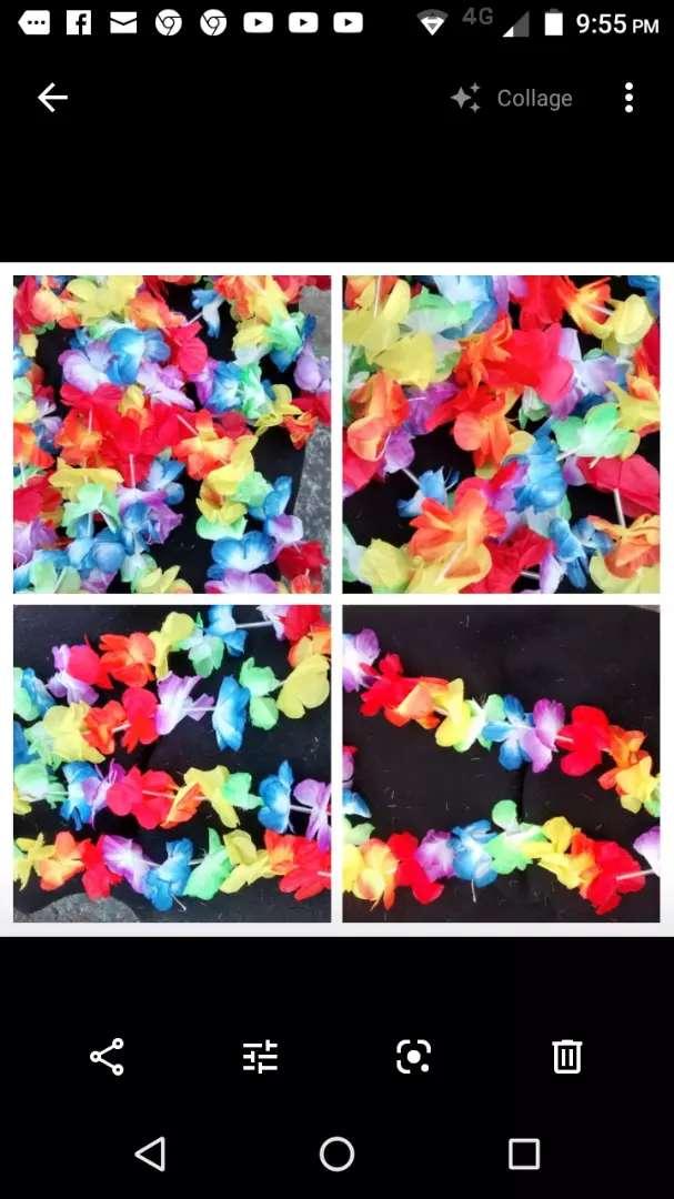 Collar hawaiano con   flores de tela   x 12 0