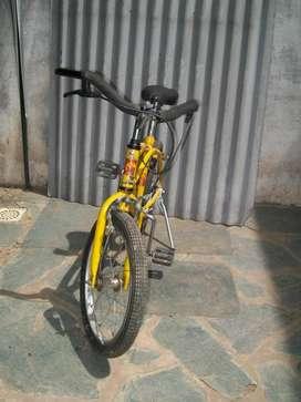 Bicicleta Amarilla para Niños Vitanova Rodado 16