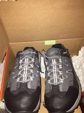 Vendo tennis y botas punta de Acero nuevas