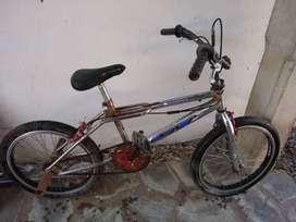 Bicicleta BMX usada
