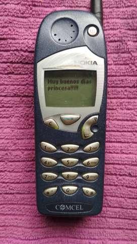 clásico  NOKIA 5125, con , 1 pila  vintage