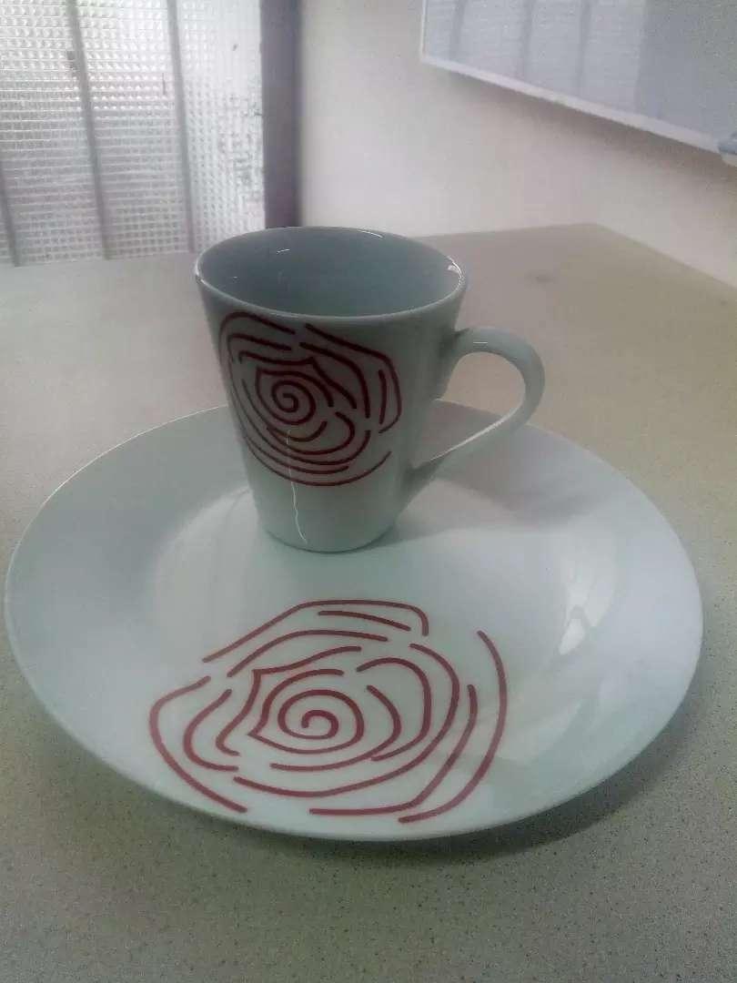 1 set de 24 pzas de tazas con platos 0