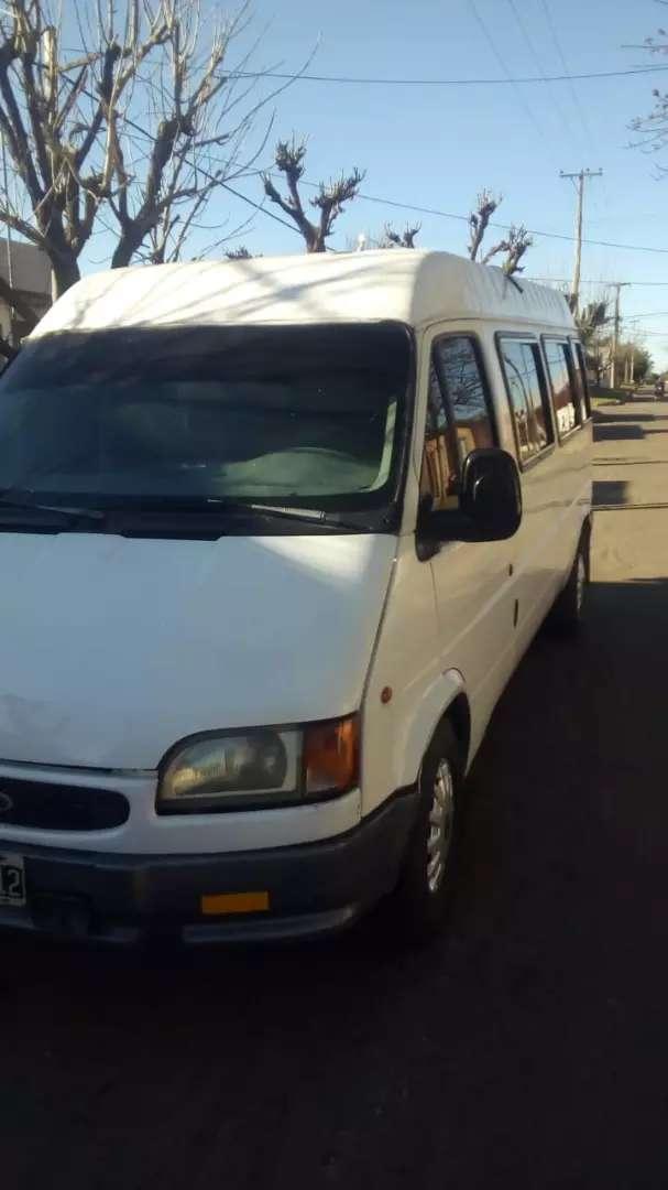 Vendo o permuto Ford transit minibús mod 98 en buen estado general con todos los papeles para transferir 0