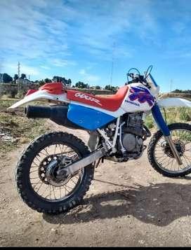 XR 600 R. Mod. 93'   $600.000- no se acepta permuta
