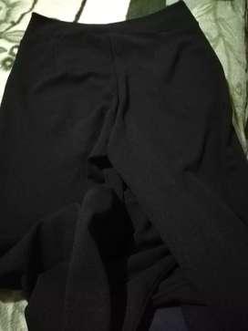 Pantalón negro de dama talla unica.