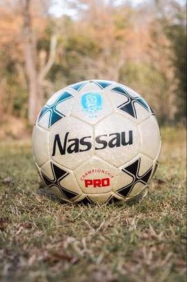 Pelotas de fútbol N5 de exelente calidad 2500$