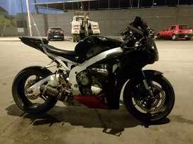 Honda CBR 1000RR año 2011 NACIONAL