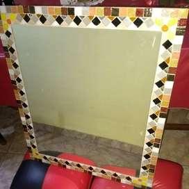 Vendo Espejo mosaiqueado. Medidas: 50x60