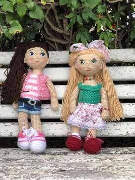 Muñeca crochet hecha a mano miden 45cm aprox