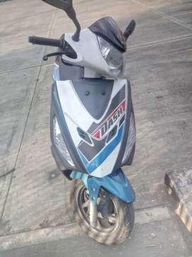 Se vende moto Hero das, papeles al día, unico dueño, negociable.