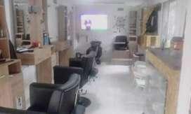 Se vende barbería acreditada con o sin local.barrio tricentenario medellin