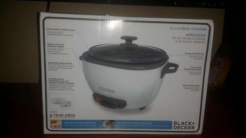 Black & Decker  olla arrocera de 2 litros. 0