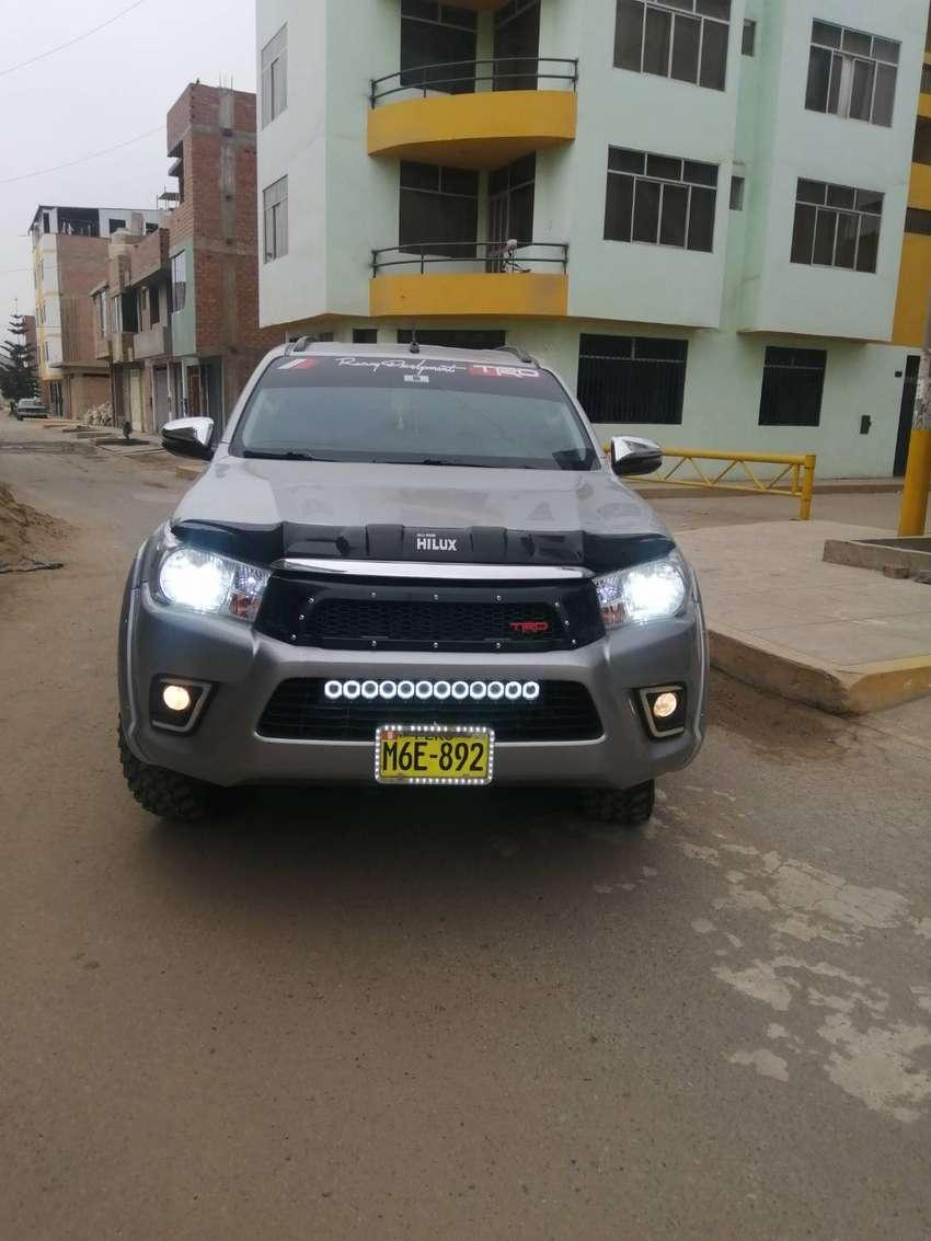 Toyota hilux 4x4 srv 2018