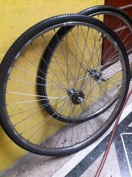 Juego de ruedas rodado 28 usadas completas 1 velocidad fixie