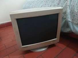 "Monitor Samsung Syncmaster 17"""