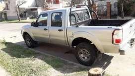 Titular vende Ford Ranger buen estado listo para transferir