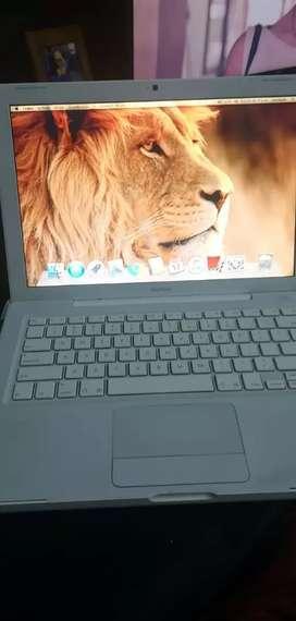 Hermoso macbook portatil