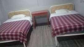 Arriendo rento alquilo habitación sector los 2 puentes 1 persona 80usd/2 personas 120/3-150/4-180usd  tel 0984 .298574