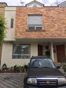 Vendo Casa 144m., tres dormitorios, tres plantas, Bellavista de carretas