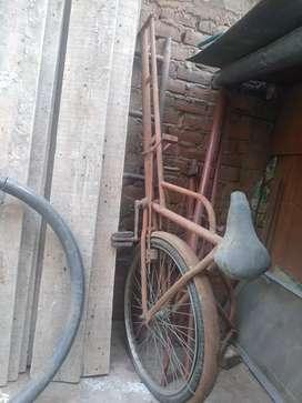 Vendo triciclo en buen estado