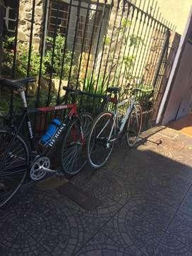 Bicicleta de carrera derosa