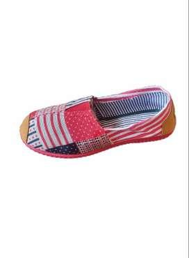 zapatillas suela roja con retazos con envio gratuito