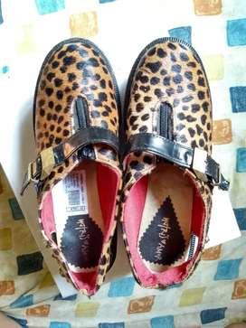 Zapatos animal print 38