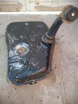 Vendo tanque nafta y canasto rueda auxilio