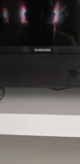 LCD SAMSUNG TV FULL HD 1080 P SERIE 530