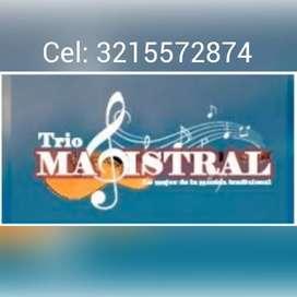 """Su velada """"MAGISTRAL""""; trio serenata,Ricardo, Rafa y Jairo."""
