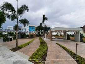 VENTA Casa de Estreno en Urbanizacion Monaco Samborondon, Isla Mocolí