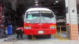 Buseta unitrans modelo 2002 capacidad 28 pasajeros