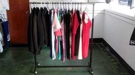 Exhibidor Colgador de ropa