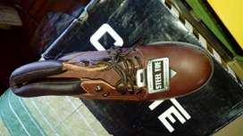 Zapato de Seguridad Nuevo en Caja