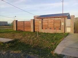BARRIO LAS TARDES - ROLDAN - CASA EN VENTA - 90 m2 construídos, Terreno: 550 m², pileta