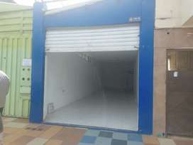 Alquilo local comercial centro Loja