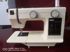 Vendo Maquina De Coser PFAFF HOBBY 740