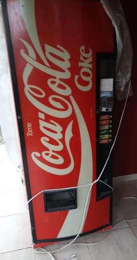 Máquina expendedora de coca cola