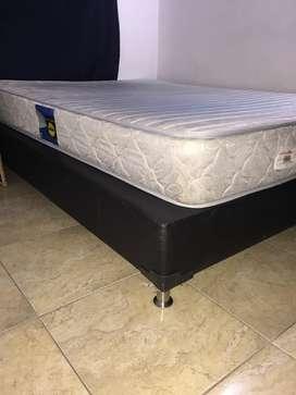 Se vende base cama y colchon doble