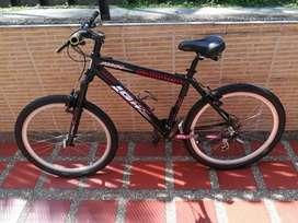 Vendo bicicleta Gw arrow en excelente estado Rin 26