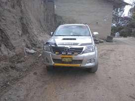 Vendo camioneta Toyota Hilux turbo intercooler año 2012