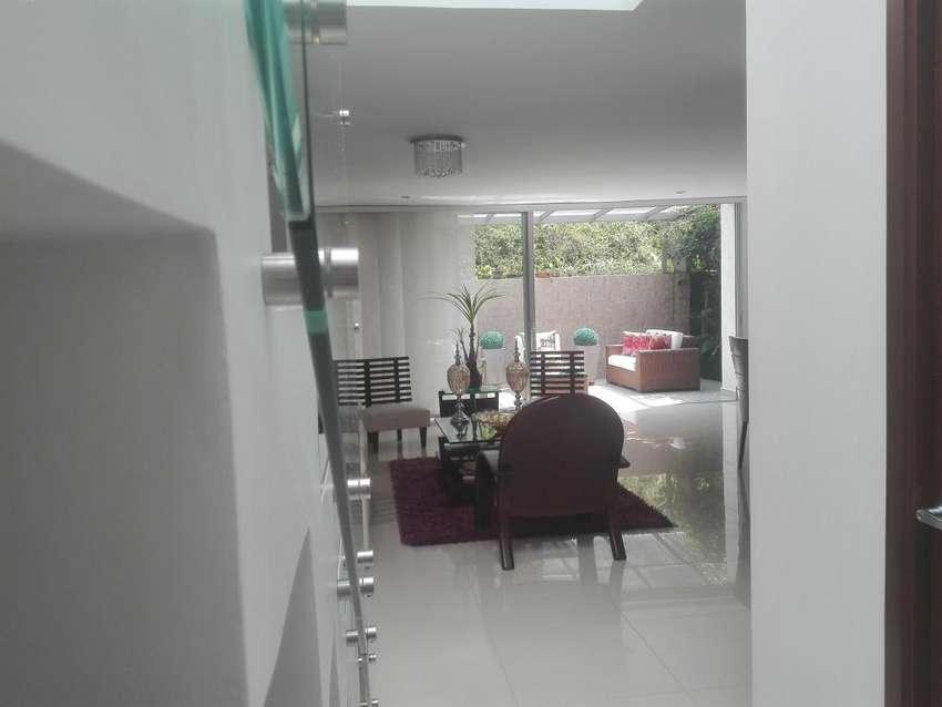 Casa en venta Envigado, sector Montessori 0