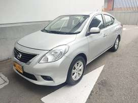 Nissan versa advance 2013 mecánico,  89,000km ,único dueño