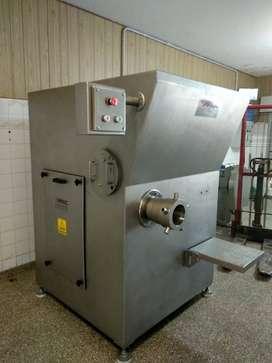 Picadora de Carne ANGULAR M150-200 - Acero Inoxidable - Metalurgica Muller y Di Costanzo