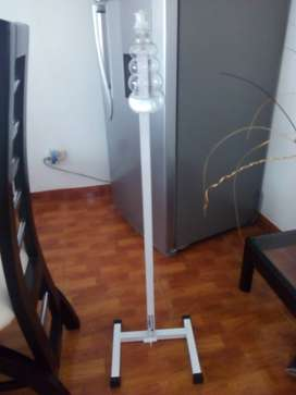 Dispensador de pedal para desinfección