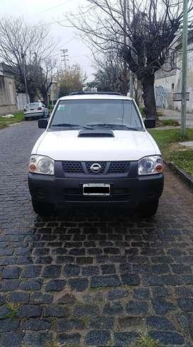 Camioneta Nissan. Titular vendo